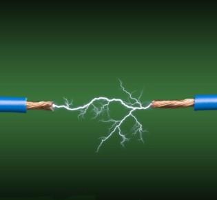Как распределяется значение зарядов при передаче тока: описание теоретической части