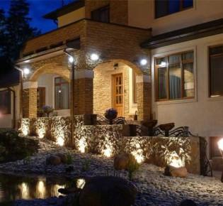 Особенности проектирования и установки архитектурной внешней подсветки фасада дома или здания