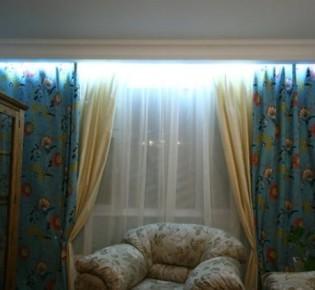 Как самостоятельно сделать подсветку штор в квартире светодиодной лентой: варианты освещения и схемы