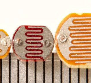 Что такое фоторезистор, как он устроен и как работает: сфера использования, особенности применения