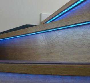 Делаем светодиодную подсветку ступеней лестницы своими руками: варианты освещения с примерами