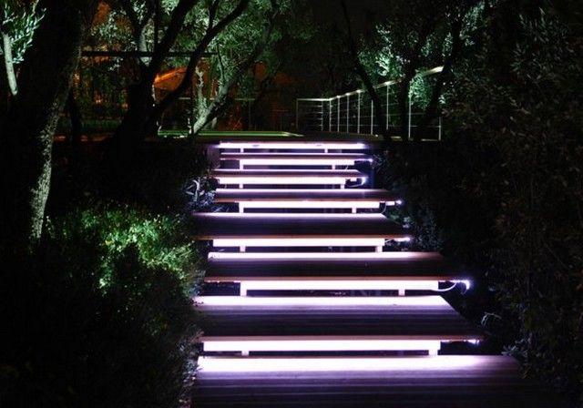Подсветка ступенек люминесцентными