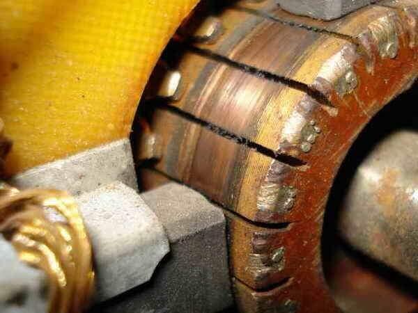 Щеточный узел коллекторного электрического двигателя, виды