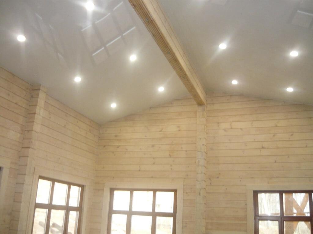 Встроенные точечные светильники, вариант для потолка