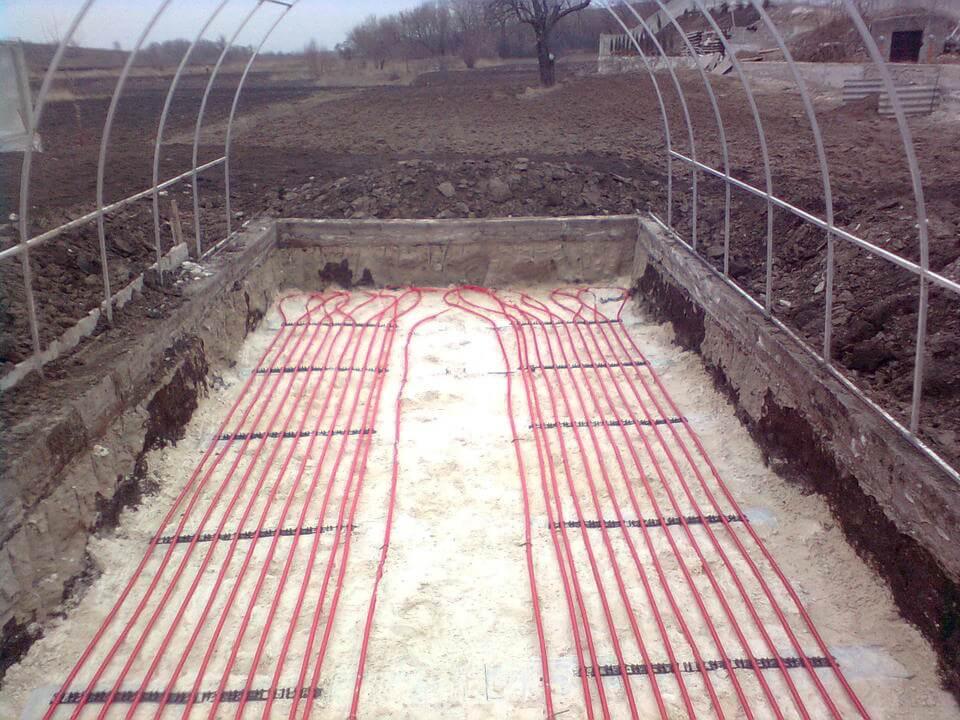 Фото системы отопления почвы в теплице
