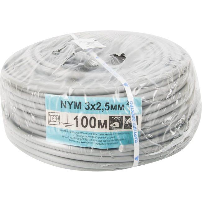 моток кабеля для монтажа в упаковке, материалы, проводка