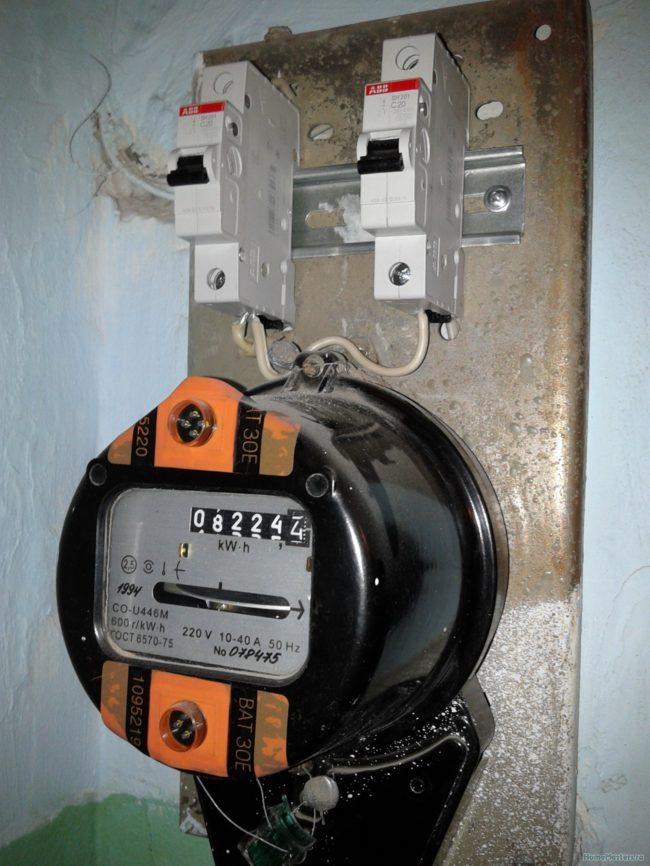 замена самостоятельно электросчетчик