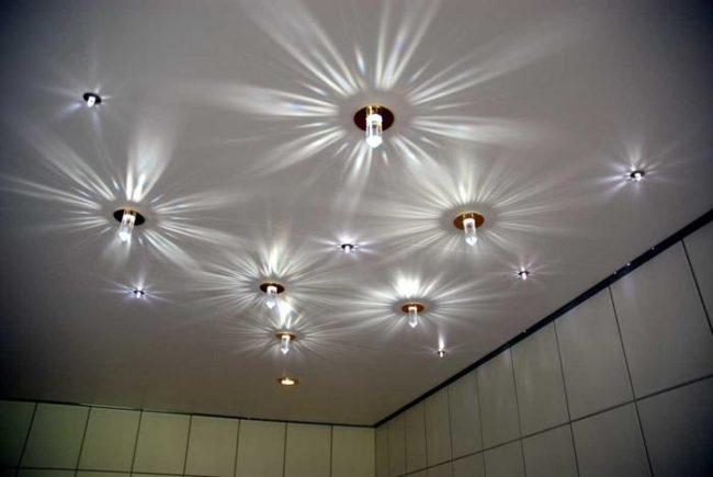 электроэнергии точечный светильник, поставка