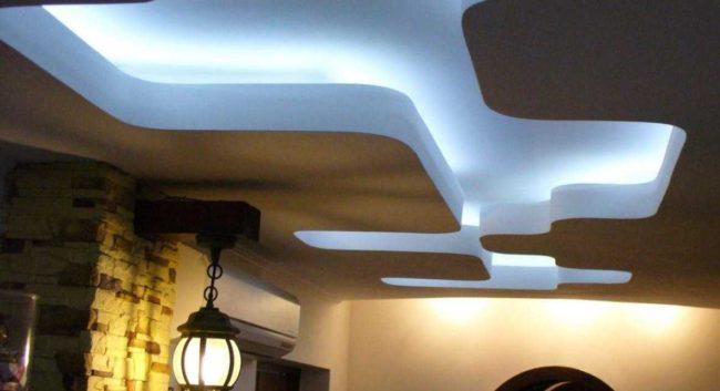 потолок, лампа