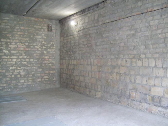 освещение в подвальном