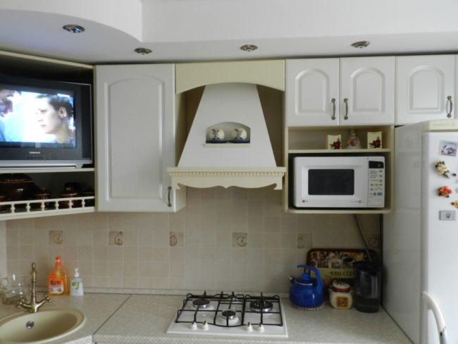 кухня, причина частой поломки бытовой микроволновки