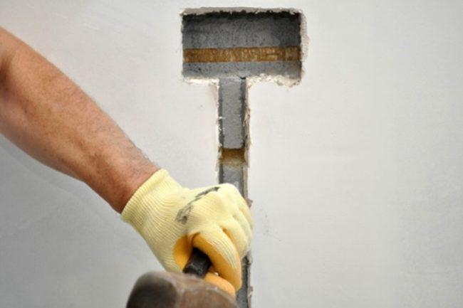 Заделка на даче штроб под электропроводку
