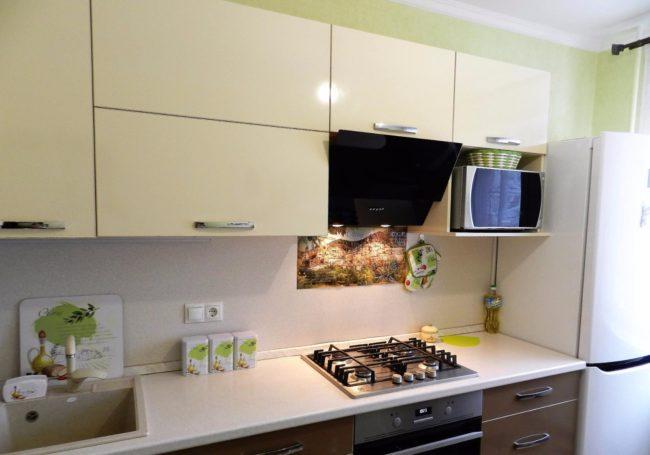 кухня, встраиваемая, микроволновая