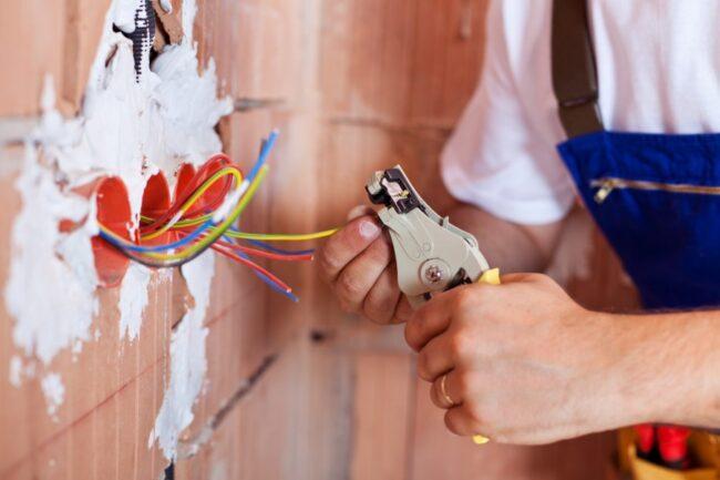 Советы по выбор профессионального электрика