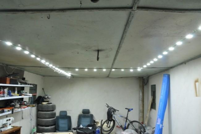 автономное простого освещение гаража