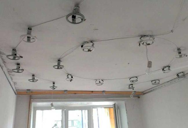 светильники установка точечных