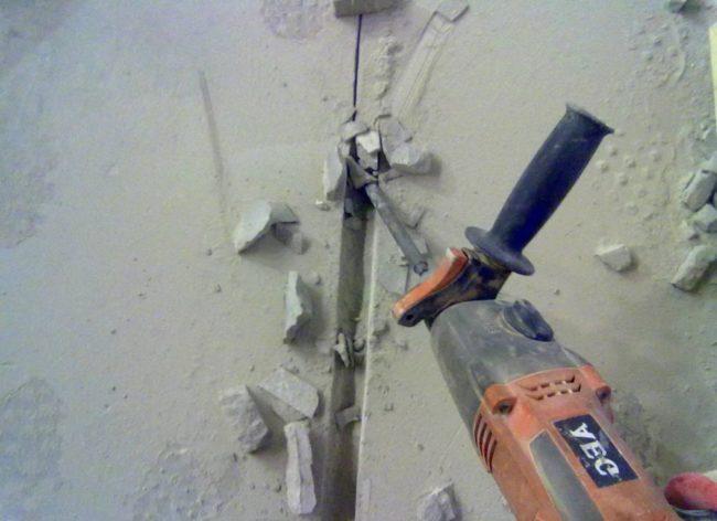 Как правильно сделать штробы под проводку и штукатурку
